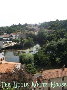Clisson, ville italianisante en Loire-Atlantique, France - The Little White House On The Seaside: The Surprise