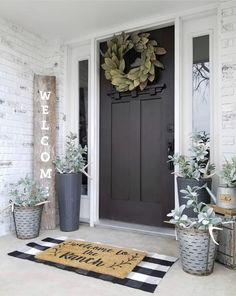 What a gorgeous front porch styled by - we are loving our Magnolia Wreath against her black door! What a gorgeous front porch styled by - we are loving our Magnolia Wreath against her black door! Farmhouse Style, Farmhouse Decor, Modern Farmhouse, Farmhouse Ideas, Rustic Decor, Farmhouse Homes, Br House, Porch Styles, Deco Studio