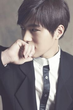 Black and White hot perfect boy wow infinite man guy l handsome visual kim myungsoo k-pop L Infinite, Infinite Members, Korean Wave, Korean Men, Korean Actors, Korean Dramas, K Pop Boy Band, Boy Bands, Hyun Soo