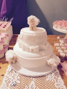 Baby shower little lamb cake. Ovelhinha cha de bebe bolo.