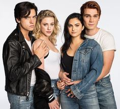 Lili Reinhart, Cole Sprouse, KJ Apa and Camila Mendes❤ Riverdale Tumblr, Kj Apa Riverdale, Watch Riverdale, Riverdale Aesthetic, Riverdale Funny, Riverdale Memes, Riverdale Betty, Sprouse Cole, Betty Cooper