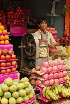 fruit stand, India
