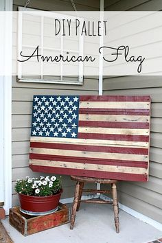 Wooden Pallet Furniture DIY Pallet American Flag {and wall mounting instructions} - I am obsessed with pallets and love any projects involving them. This step-by-step tutorial for a DIY Pallet American Flag shows you how to make your own. Wooden Pallet Projects, Wooden Pallet Furniture, Pallet Crafts, Wooden Pallets, Diy Craft Projects, Home Projects, Pallet Ideas, Pallet Wood, Project Ideas