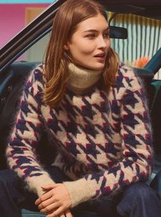 H&M Studio A/W 2018 invites you to a fictional world, taking inspiration from iconic TV characters and movie stars. Shop ladylike statement pieces and borro Twin Peaks, Fashion Show 2016, Fashion Trends, Grace Elizabeth, Retro Fashion, Womens Fashion, Angora Sweater, Victoria Secret Fashion Show, Catwalk