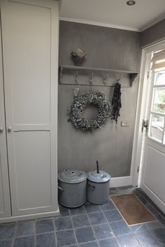New Living Room Cottage Style Inspiration Ideas New Living Room, Home And Living, Gray Interior, Rustic Interiors, Mudroom, Cottage Style, Cozy Cottage, Vintage Shabby Chic, My Dream Home