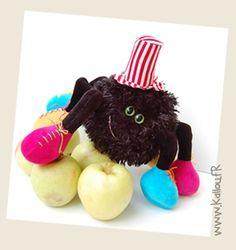 Itsy bitsy spider stuffie, an original Halloween plush! :)