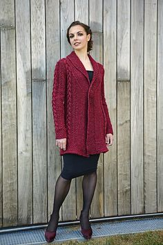Ravelry: Carla Coat pattern by Linda Marveng Above it is gorgeously worn by dancer Francesca Golfetto, beautifully styled by Line Sekkingstad, and brilliantly photographed by Kim Müller.