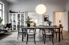 The Househunter - Mad About The House: the home of Swedish stylist Lotta Agaton Furniture, Interior, Home, Interior Spaces, Dining Table, House Interior, Dining Room Decor, Apartment Inspiration, Interior Design