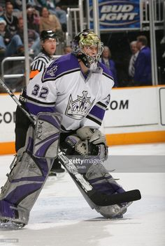 72855805-barry-brust-of-the-los-angeles-kings-follows-gettyimages.jpg (683×1024)