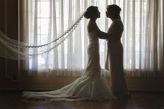 Love this sweet pre-wedding photo of the bride and her mom!