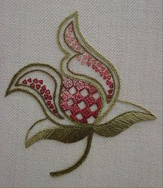 Wonderful Ribbon Embroidery Flowers by Hand Ideas. Enchanting Ribbon Embroidery Flowers by Hand Ideas. Crewel Embroidery Kits, Learn Embroidery, Embroidery Needles, Silk Ribbon Embroidery, Machine Embroidery, Embroidery Supplies, Flower Embroidery, Embroidery Designs, Bordados E Cia
