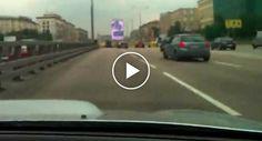 Jovem Idiota Tem Acidente a 200 km/h à Saída De Um Túnel Na Rússia