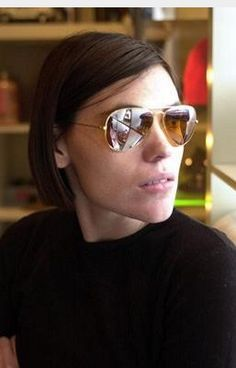 Clea DuVall - Yonah Dietrich I think Clea shows a good portrayal of the strong female role that is Yonah's character. Androgynous Fashion, Androgyny, Clea Duvall, Celebs, Celebrities, Girl Crushes, Picture Photo, Beautiful People, Short Hair Styles