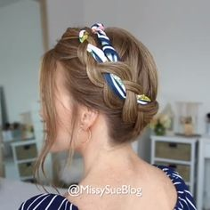 Change hair or hair length – not a problem, but do not rush to part with luxurious long locks, they will still be useful to you. Stylists offer girls a variety of options for the most fashionable hairstyles for the summer.