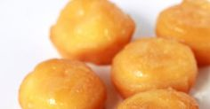"""Como a maioria dos doces conventuais os famosos """"Papos de Anjos"""" apresentam duas das mais marcantes características primordiais de..."""