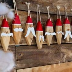 40 Stunning Rustic Christmas Decorations Ideas - Page 10 of 41 - Adila Decor Christmas Wood Crafts, Outdoor Christmas Decorations, Rustic Christmas, Christmas Projects, Christmas Tree Ornaments, Holiday Crafts, Christmas Holidays, Santa Ornaments, Wood Ornaments