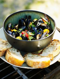 Mussels! date-night-recipes