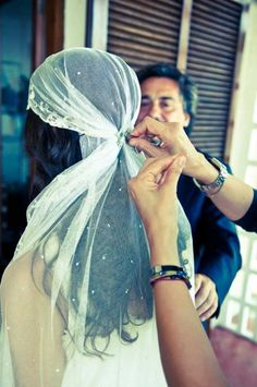 omg a hippie veil!!!!!!!!- i don't like veils, but this is pretty cute