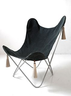 Modern Furniture, Home Furniture, Furniture Design, Leather Butterfly Chair, Dining Room Table Chairs, Beautiful Houses Interior, Lawn Chairs, Take A Seat, Mid Century Style