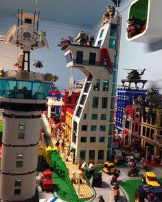 Lego Airport, Marvel And Dc Superheroes, City Layout, Lego Moc, Cool Lego, Lego Building, Lego Brick, Lego City, Legos
