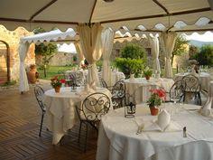 simple Italian wedding reception www.talento-italia.com Wedding Reception, Table Decorations, Simple, Furniture, Home Decor, Italia, Homemade Home Decor, Wedding Reception Ideas, Home Furnishings