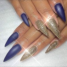 Not a fan of the shape but like the idea of 2 nails different on each hand.