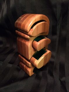 Wooden Toys, Wood Crafts, Wooden Toy Plans, Wood Toys, Woodworking Toys, Wood Turning, Woodworking Crafts, Woodwork