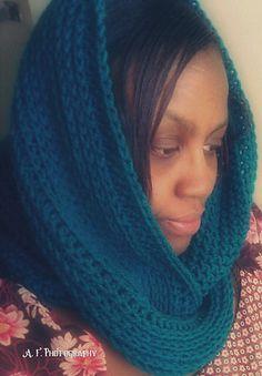 It Looks Like Knit! Circle Scarf by Acquanetta Ferguson - free crochet pattern.