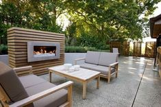 Creative Outdoor Fireplace Designs and Ideas Modern Outdoor Fireplace, Outdoor Fireplace Designs, Backyard Fireplace, Backyard Patio, Fireplace Ideas, Outdoor Rooms, Outdoor Living, Outdoor Furniture Sets, Outdoor Decor