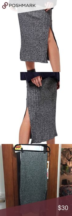 Topshop gray knit ribbed midi skirt I loved this skirt. But recently I found better but too similar one, and I also lost some weight.... Gently use condition. A+++ fabric condition. Always handwashed in cold water even though it is machine washable material at warm water(I took good care) No flaws except for the bottom hem is bit wiggly(check out the photo. It is not really noticeable) flat measurement of waist is 13.5 inch. But this has rubber band and material is stretching. Recommend for…