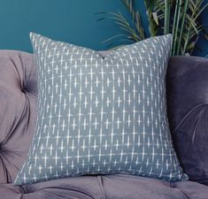 The Pillow Collection Franca Geometric Ash Down Filled Throw Pillow