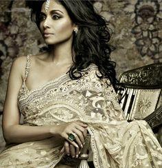 Tarun Tahiliani Bridal Saree