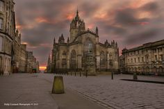 I was up pretty early again this morning, decided to try somewhere different and see if I could capture the sunrise from somewhere new.     St Giles' Cathedral on the Royal Mile, lovely spot. Reckon I will be back to try and find the perfect spot for this photo.
