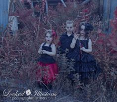 IMG 8296web 1024x890 Goth Children Amazing photographer does fantasy family photo shoots.