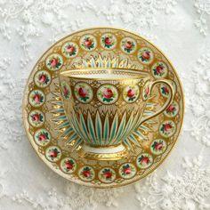 Antique Teacup by Minton with rose & gold accent #antiqueteacup #vintageteacup #collectorsitem #teacuplover #teacupcollectors #teacupaddict #teacupcollector #hightea #teacup #teaparty #teatime #oldteacup #antiqueteacup #oldporcelain #england #antique #porcelain #antiqueporcelain #englandteacup #teacupengland #harmony