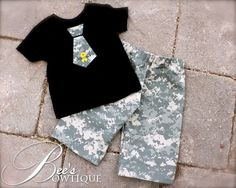What a cute deployment coming home outfit!!