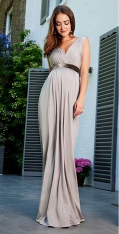 Maternity dress to accentuate the curves ;) #maternitydress #fashion #style