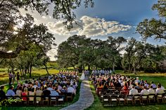 Texas hill country wedding at Ma Maison - photo by Caroline + Ben