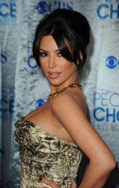 Kim Kardashian Hair. Looks really hot with her hair :)