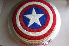 The Buttercream Bakery: Captain America Cake - Visit to grab an amazing super hero shirt now on sale! Avengers Birthday Cakes, Superhero Birthday Party, Cool Birthday Cakes, 4th Birthday, Captain America Birthday Cake, Captain America Party, Captain America Cupcakes, Pastel Capitan America, Marvel Cake