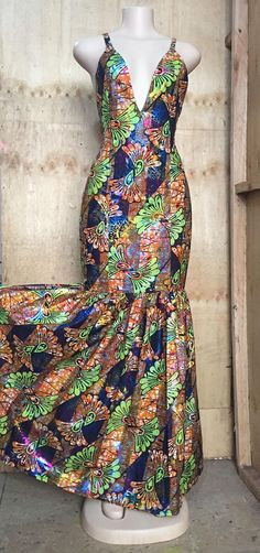 Ankara Dress - The little thins - Event planning, Personal celebration, Hosting occasions Short Ankara Dresses, Ankara Skirt, African Print Dresses, African Fashion Dresses, Ankara Fashion, Ankara Designs, African Inspired Fashion, Patchwork Dress, Dress Images