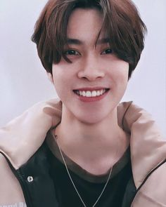 """HENDERY WAYV 
