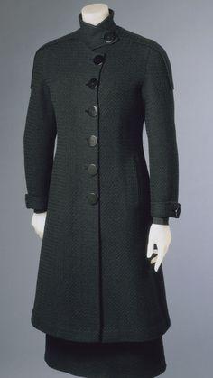 Winter 1930-1931, France - Ensemble: Coat and Dress by Elsa Schiaparelli - Black novelty weave bouclé wool and black silk faille