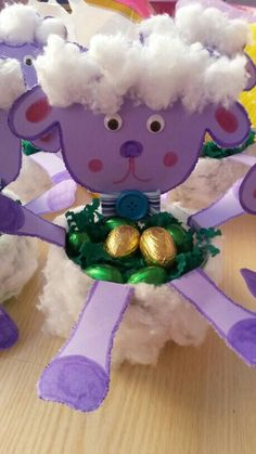 pecorella pasquale Christmas Ornaments, Holiday Decor, Home Decor, Decoration Home, Room Decor, Christmas Jewelry, Christmas Decorations, Home Interior Design, Christmas Decor