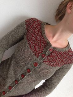 Ravelry: maeveknits & # Miss E - the first part of four - Knitting 02 Designer Knitting Patterns, Knitting Designs, Knitting Patterns Free, Knit Patterns, Knitting Projects, Fair Isle Knitting, Hand Knitting, Icelandic Sweaters, Pulls
