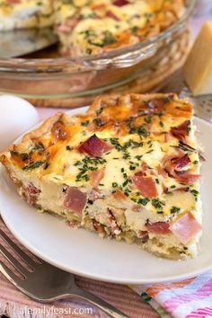 Quiche Recipes Discover Ham and Swiss Quiche - A Family Feast Ham and Swiss Quiche - A classic flavor combination in a quiche. Recipe includes the best quiche custard that can be used with any cheese meats or veggies youd like. Quiches, Omelettes, Breakfast Quiche, Breakfast Dishes, Vegan Breakfast, Ham And Swiss Quiche, Swiss Cheese Quiche Recipe, Little Lunch, Food And Drink