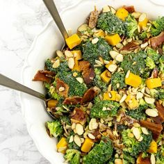 easy to make low carb broccoli bacon salad packs in flavor and crunch with every bite. Perfect for barbecue, potlucks or any night of the week! Broccoli Salad Bacon, Bacon Salad, Eat Pretty, Low Carb Cheesecake, Salad Ingredients, How To Make Salad, Deep Dish, Greek Recipes, I Foods