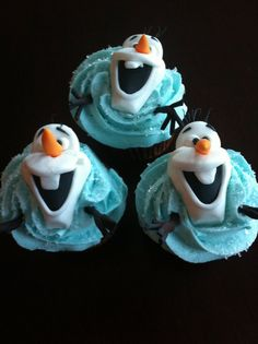 Love this Olaf cupcakes, so cute:) Olaf Cupcakes, Fondant Cupcakes, Cute Cupcakes, Cupcake Cakes, Frozen Cupcakes, Cup Cakes, Olaf Birthday, Frozen Birthday Party, Frozen Party