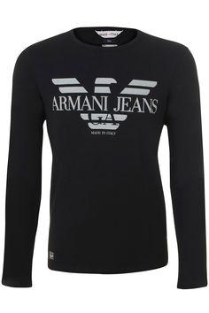 zwart lange mouw stretch t-shirt van Armani Jeans. Op de voorkant staat groot het logo van Armani in het lichtgrijs gedrukt.