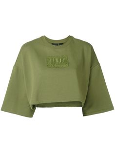 Refine your look with the women's sweaters edit at Farfetch. Find cute designer sweaters and luxury cahsmere sweaters from coveted labels now. Crop Top Outfits, Cute Casual Outfits, Stylish Outfits, Teen Fashion Outfits, Mode Outfits, Girl Outfits, Style Fashion, Mode Kpop, Vetement Fashion